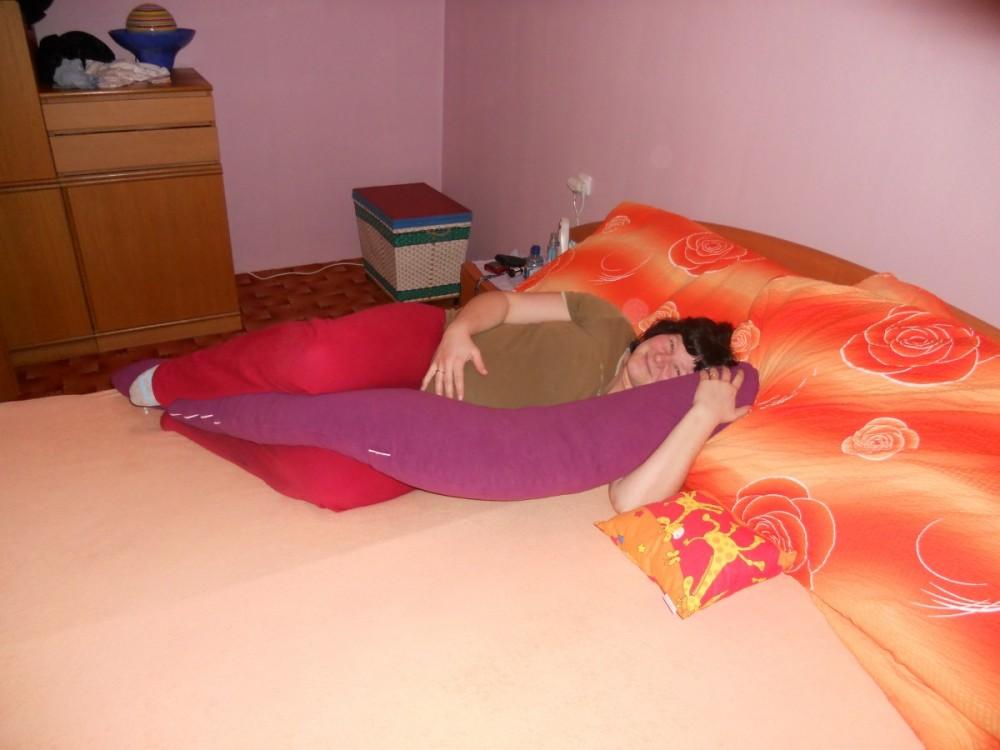 Tomáš - Kojící polštář Matýsek, fialový fleece 1