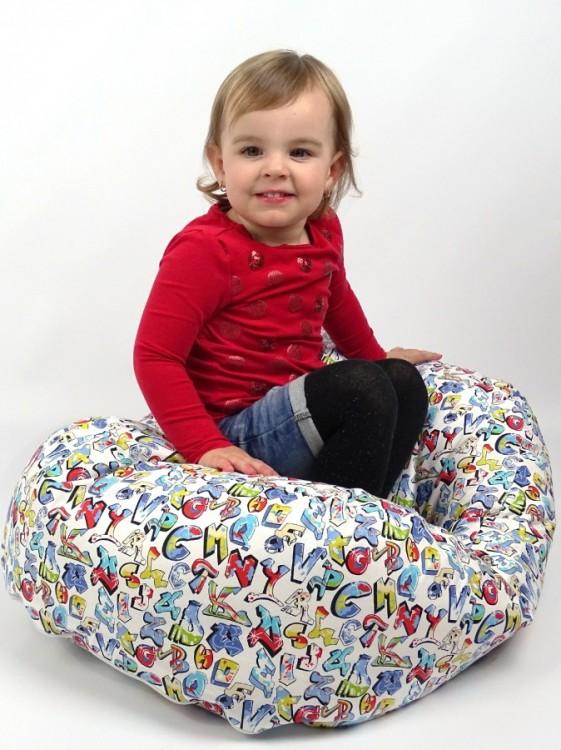 sedací vak pro větší děti - vzor Graffiti