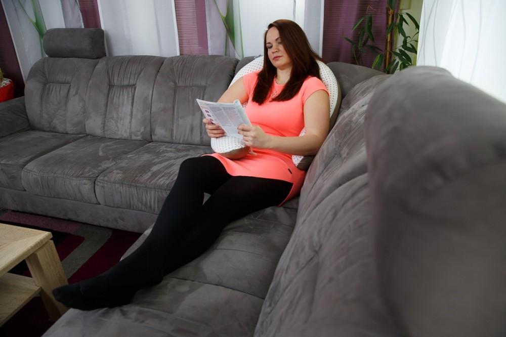 Opora zad a uvolnění v těhotenství, těhotenský a kojicí polštář