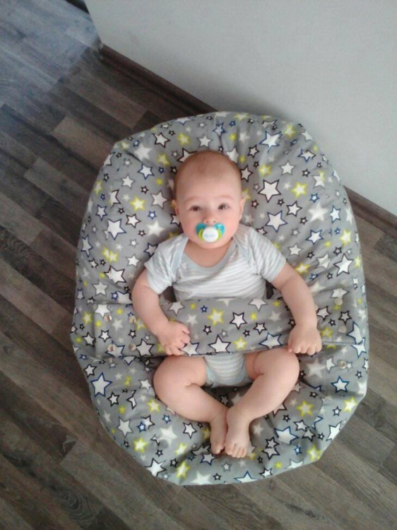 Andrea - pelíšek pro miminko, hvězdy šedé