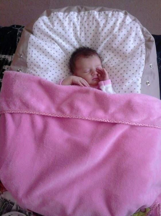 Vendula - pelíšek (vak) pro miminko, béžový puntík