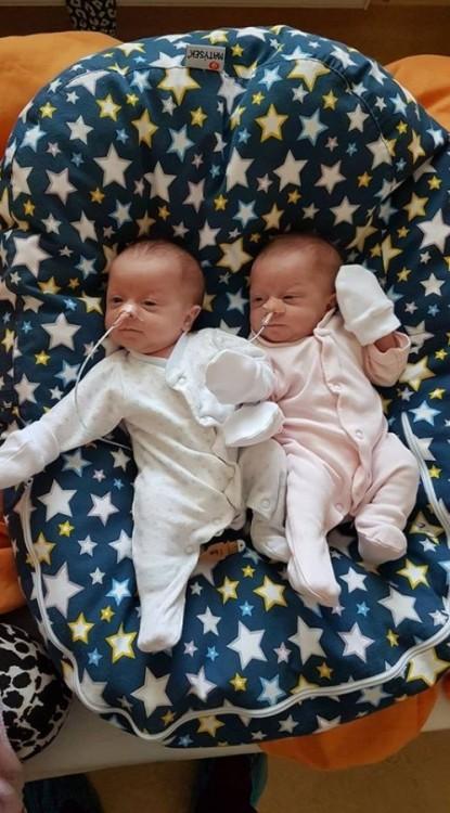 Dvojčátka, pelíšek pro miminko - Hvězdy modré