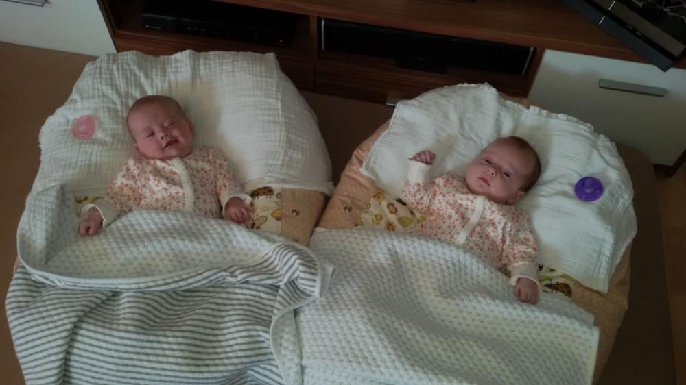 Dvojčátka - pelíšek pro miminko - Beruška béžová